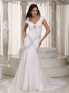 Mermaid V-neck Court Train Chiffon Cute Wedding Dresses with Rhinestone