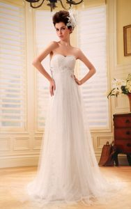 Beaded Sweetheart Brush Train Discount Wedding Dress in Lace and Tulle