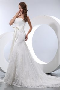 Elegant Mermaid Strapless Satin and Lace Wedding Dress with Court Train