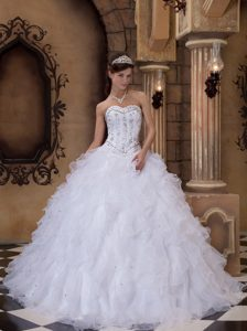 Custom Made White Ball Gown Tulle Quinceanera Dress with Ruffles and Beading