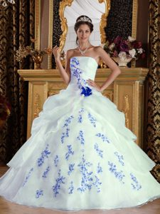 White A-line Strapless Long Organza Appliques Quinceanera Dress