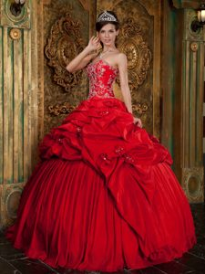 Sweetheart Beading and Appliques Red Sweet Sixteen Dresses in