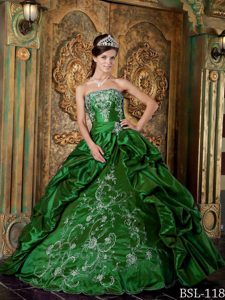 Green Strapless Quinceanera Dresses Decorated White Embroidery