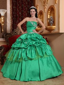 Spring Green Strapless Quinceanera Dresses Decorated Appliques