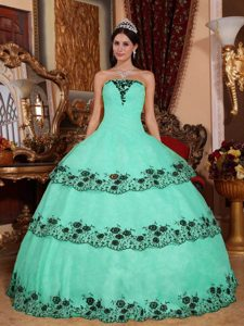 Strapless Lace Appliques Quinceanera Dresses in Apple Green and Organza