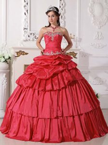 Red Detachable Ruche Quince Dresses with Sweetheart and Beading