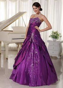 2014 Impressive Sweetheart and Organza Ruched Quinceanera Gown