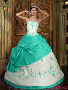 Fabulous Apple Green and White Satin Long Sweet 15 Dresses with Embroidery