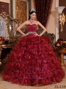 Fashionable Sweetheart Long Organza Quinceanera Gowns in Wine Red