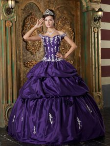 Beautiful Off The Shoulder Long Dresses for Quince in Purple