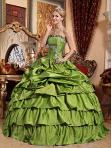 Elegant Olive Green Ball Gown Strapless Quince Dresses to Long in
