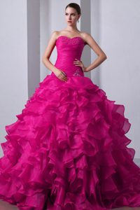 Sweet Fuchsia A-line Sweetheart Organza Dresses for a Quince with Brush Train