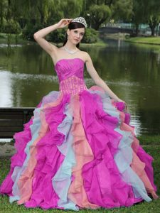 Colorful Modern Strapless Quinceanera Dresses with Appliques and Ruffled Layers