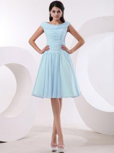 Discount Bateau Baby Blue Knee-length Prom Gown Dresses with Ruching