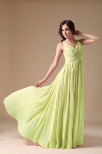 Sweet Yellow Green V-neck Chiffon Semi-formal Prom Dress with Ruching