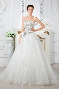 Exquisite A-line Strapless Court Train Tulle 2013 Wedding Dress with Beading