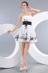 White A-line Strapless Mini-length University Graduation Dress with Appliques