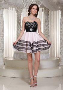 Elegant Sweetheart A-line Pink and Black Homecoming Dress with Beading