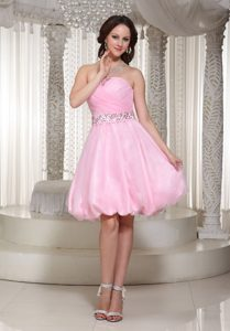 A-line Baby Pink Sweetheart Homecoming Dress with Beads Decorated in Knee-length