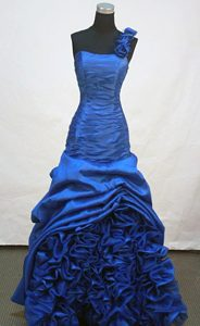 2013 Beautiful A-line One Shoulder Royal Blue Prom Dresses with Ruches