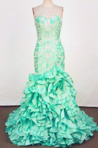 Luxurious Mermaid Sweetheart Green Appliqued Prom Dresses with Brush Train