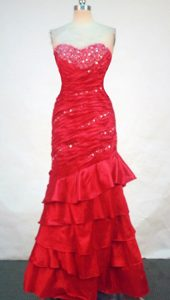 Fashionable Sweetheart Red Beaded and Ruched Prom Dresses for Girls