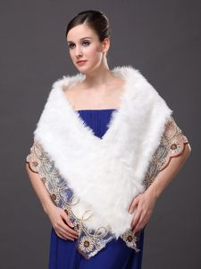 Lace V-Neck Faux Fur Stylish White Formal Occasions Wraps / Shawls