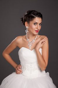 Luxurious Alloy Crystal Necklace And Earring Set