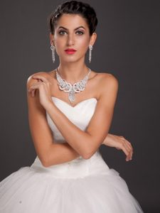 Fabulous Crystal Necklace and Earrings Jewelry Set