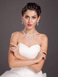 Glittering Ladies Alloy Necklace and Earrings Jewelry Set