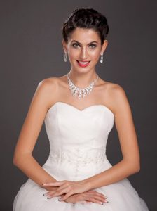 Mysterious Crystal Necklace and Earrings Jewelry Set