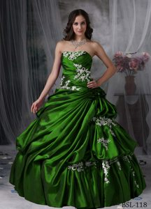 Wonderful Strapless Long Dresses for Quinceaneras with Appliques