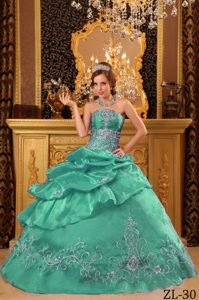 Turquoise Ball Gown Strapless Organza Quinceanera Dresses with Beading
