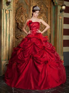 Red Ball Gown Strapless Quinceanera Dresses in with Hand Flowers