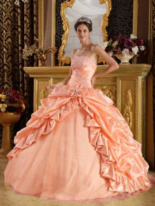 Pink Ball Gown Beaded Strapless Quinceanera Dresses in and Tulle