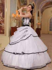 New White Ball Gown Strapless Organza Quinceanera Dress with Embroidery