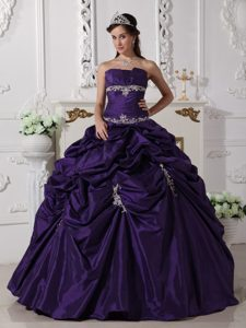 Latest Purple Strapless Dress for Quince with Appliques and Pick Ups