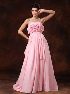 Wonderful Strapless Pink Chiffon Zipper-up Dress for Wedding with Flowers