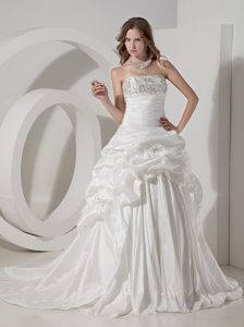 New A-line Strapless Chapel Train Wedding Reception Dresses with Pick-ups