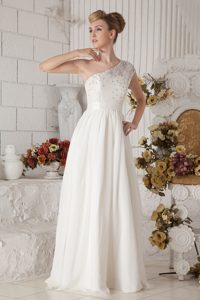 Romantic White One Shoulder Long Chiffon Bridal Gown with Beading