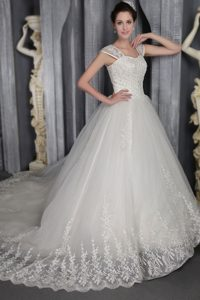 Beautiful Chapel Train Organza Lace-up Dress for Wedding with Square Neck