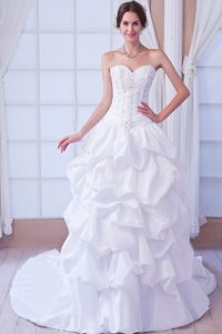 Sweetheart Court Train 2012 Gorgeous Wedding Dresses with Beading