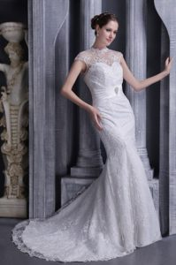Dressy Sleeveless Mermaid High-neck Lace and Satin Bridal Dress under 250