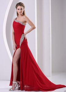 2012 Best Seller Wine Red One Shoulder Beaded Military Dress with High Slit