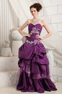 Dark Purple Sweetheart Brush Train Military Dress with Appliques and Pick-ups