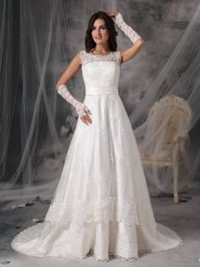 A-line Scoop V-back Bridal Wedding Dresses in and Lace with Buttons