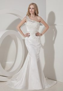 Mermaid Appliqued Women Wedding Dresses for Summer with Single Shoulder