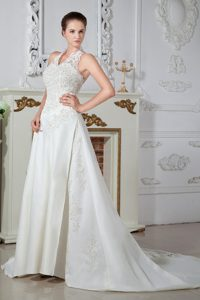 Beauty Halter-top Court Train Bridal Dress with Appliques and Buttons on Back