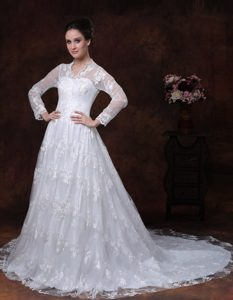 V-neck Wedding Dresses with Long Sleeves and Court Train in Lace and Taffeta
