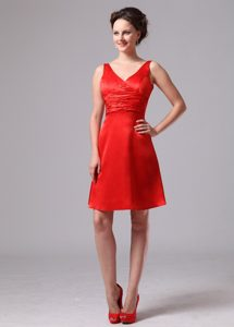 Red Ruched V-neck Satin Impressive Bridemaid Dress for Summer Wedding